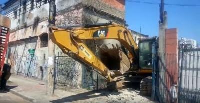 Demolição do antigo espaço para construção da Sede Própria - Novo Templo